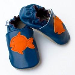 Miękkie paputki do chodzenia - granatowe z rybką